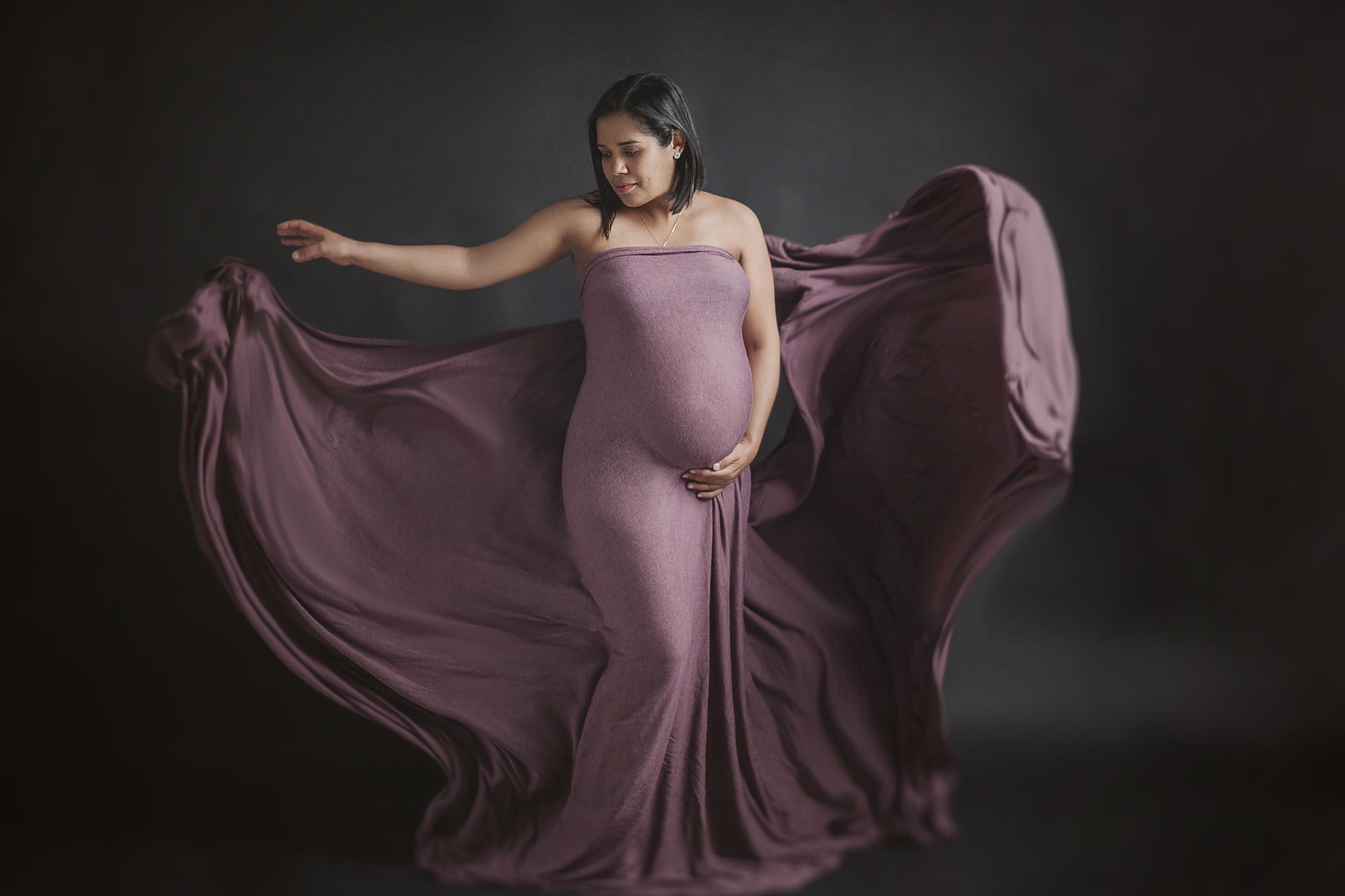 larga espera, embarazo de 9 meses, sesión de embarazo es estudio en zaragoza, sesión de embarazo en exterior en zaragoza, foto de embarazo de familia